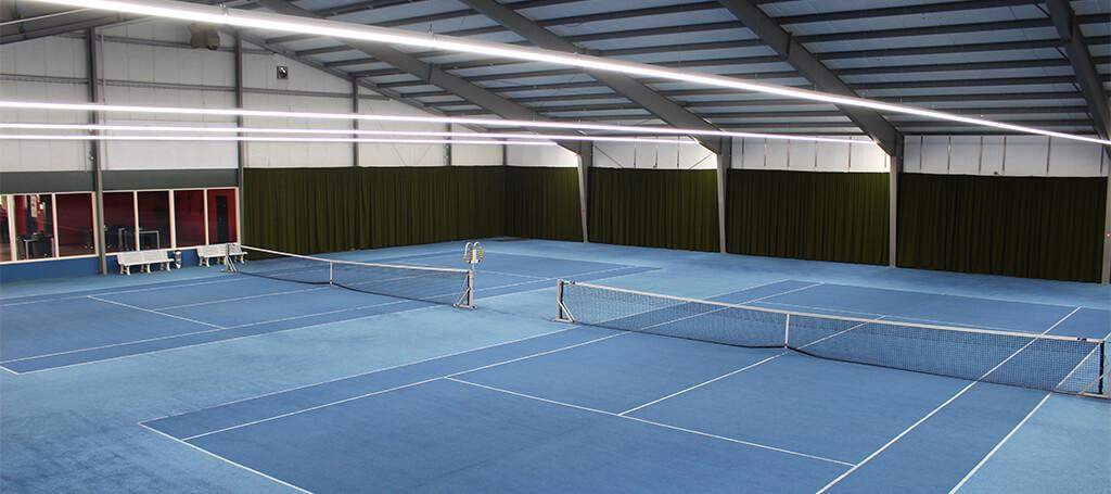 Tennishal Putten laat led verlichting van Saled plaatsen