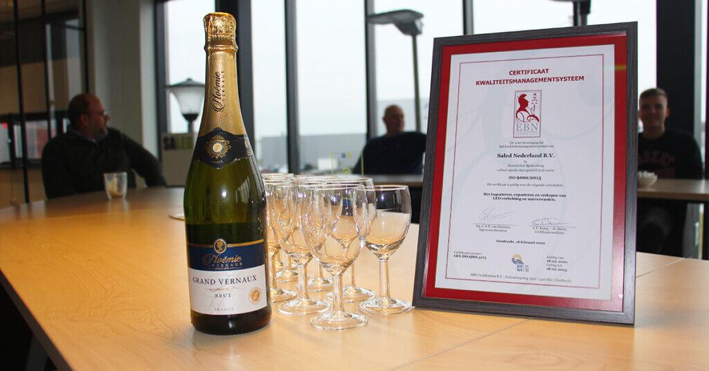 Champagne en het ISO certificaat voor Saled