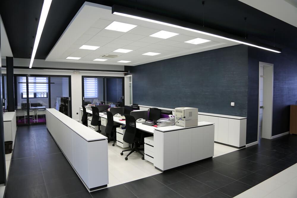 Voorkom schade en installeer kantoor verlichting van Saled